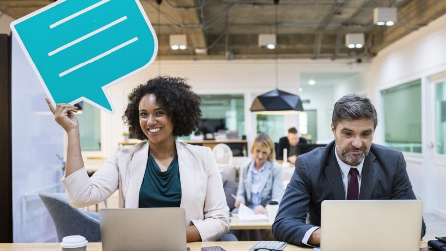 Hur ska man svara på kommentarer på sociala medier